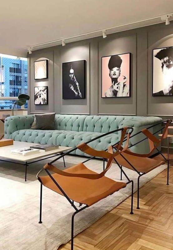 sala de estar com sofá verde água 08