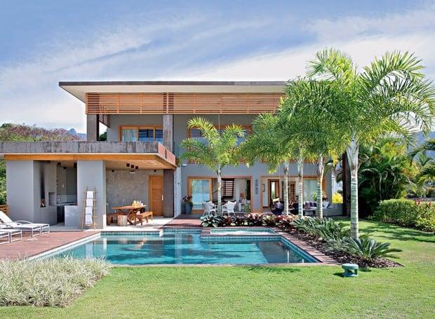 casa na praia com piscina