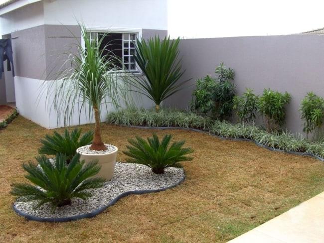 casa pequena com jardim