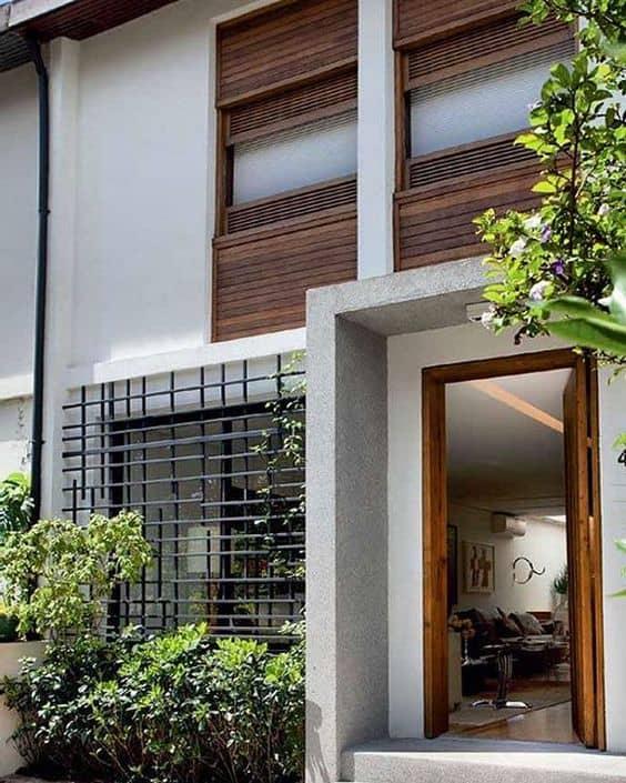 fachada moderna com grade na janela