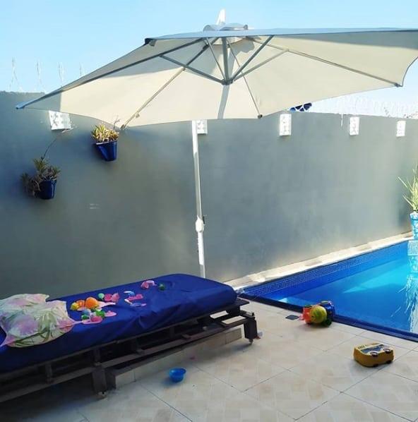 quintal simples com piscina