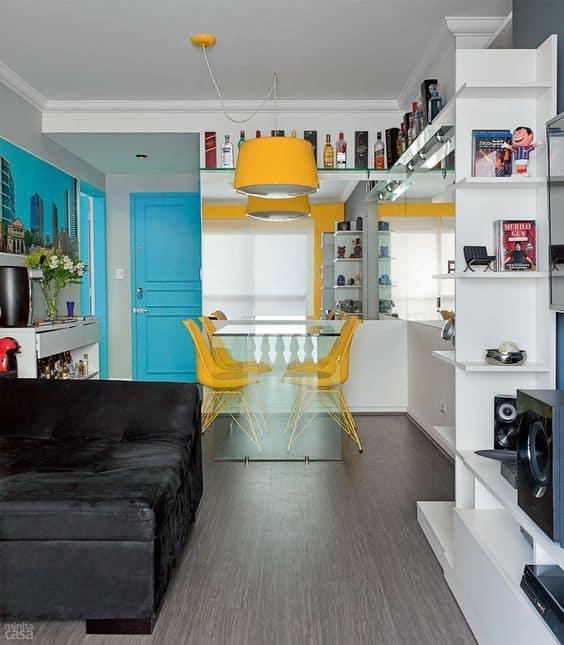 apartamento com decoração colorida
