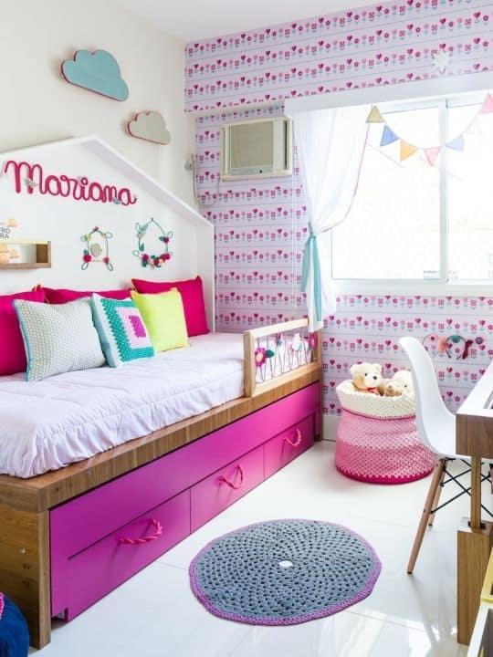 quarto rosa e moderno