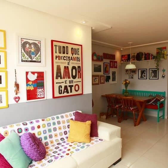 parede de quadros na sala