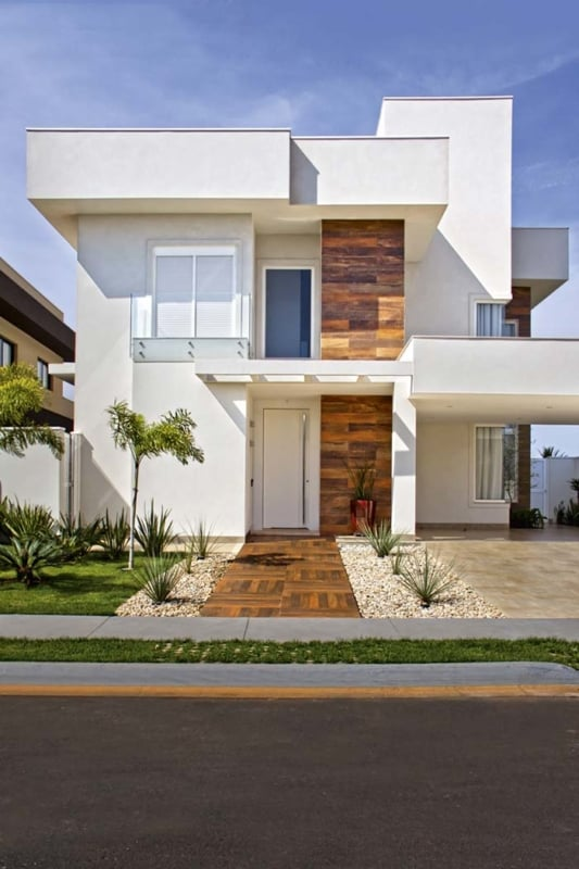 fachada decorada com piso que imita madeira