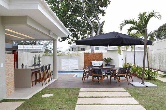 área gourmet com ombrelone
