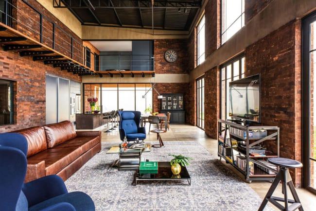 sala com móveis industriais