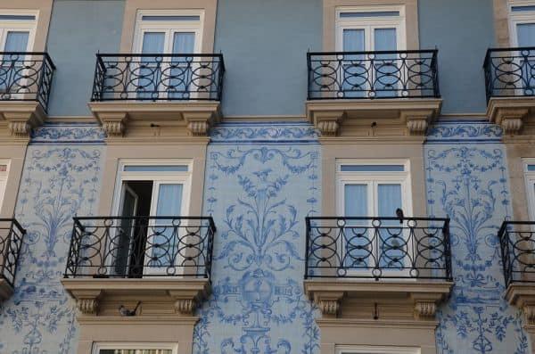Azulejo português na fachada