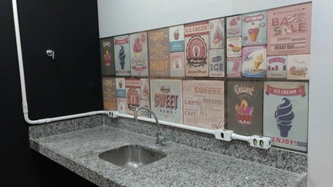 Azulejos cerâmicos retrô para cozinha