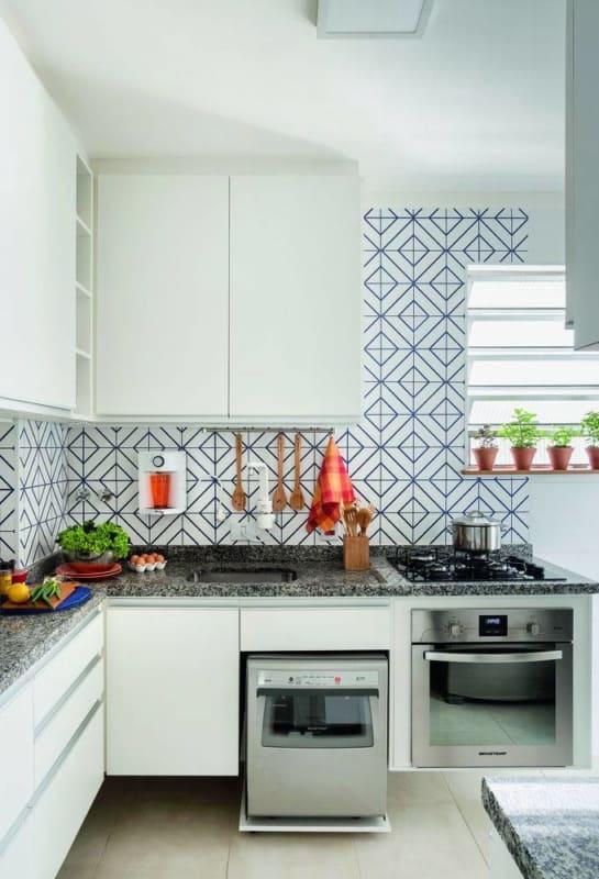 Azulejos estampados de cerâmica na cozinha