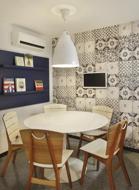 Azulejos pretos e brancos para sala de jantar