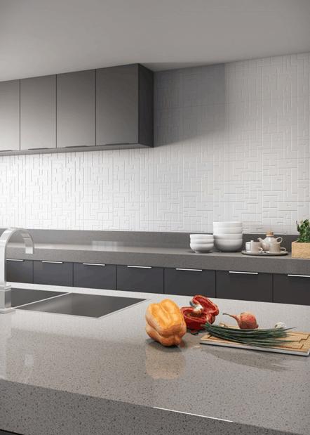 Cerâmica branca com formas geométricas na cozinha