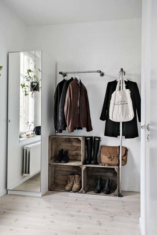 Closet pequeno improvisado