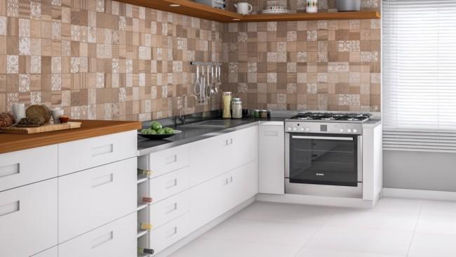Cozinha com cerâmica na parede
