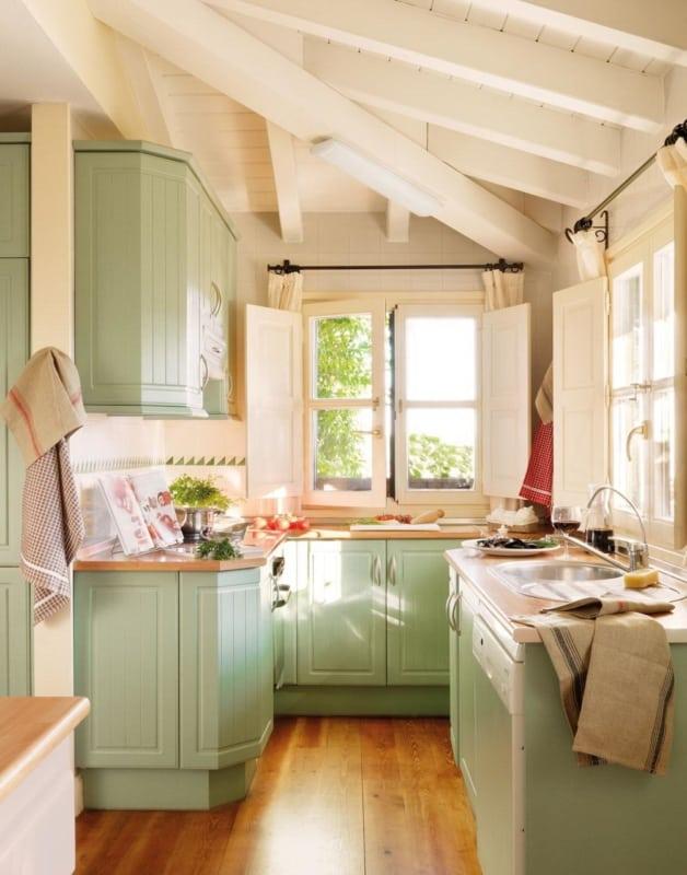 Cozinha com estilo antigo verde
