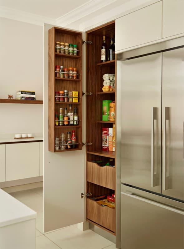 Despensa pequena na cozinha