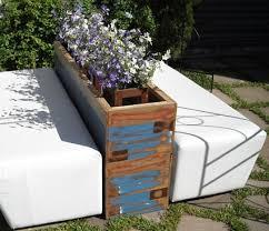 Floreira rústica para decorar varandas