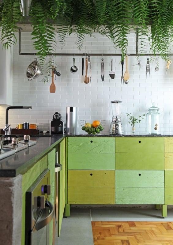 Ideia de decoração de cozinha com tons de verde
