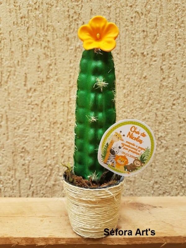 Mini cacto com flor de EVA