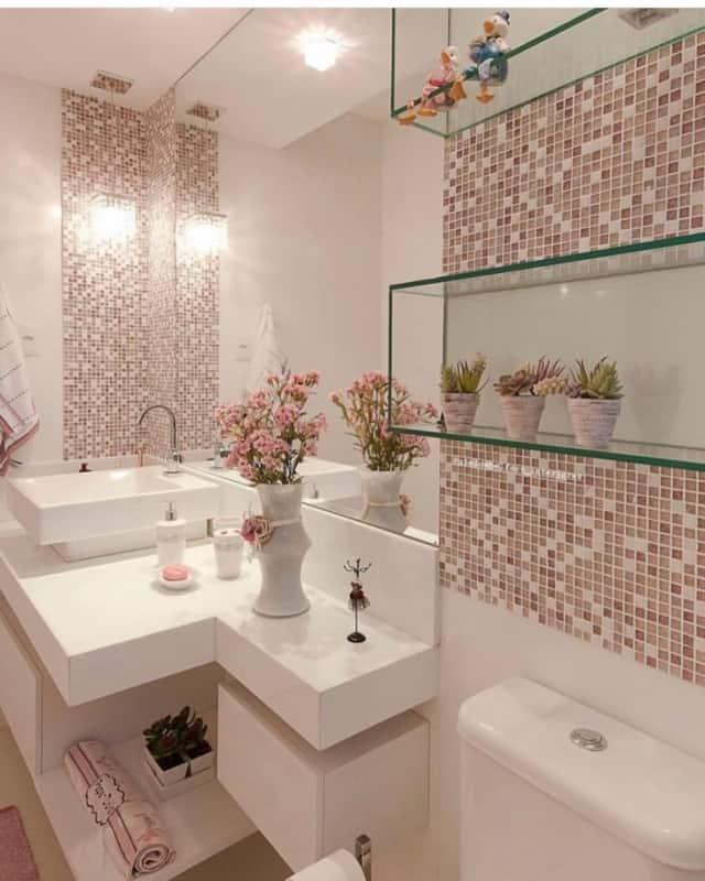 Pastilhas de cerâmica em banheiro