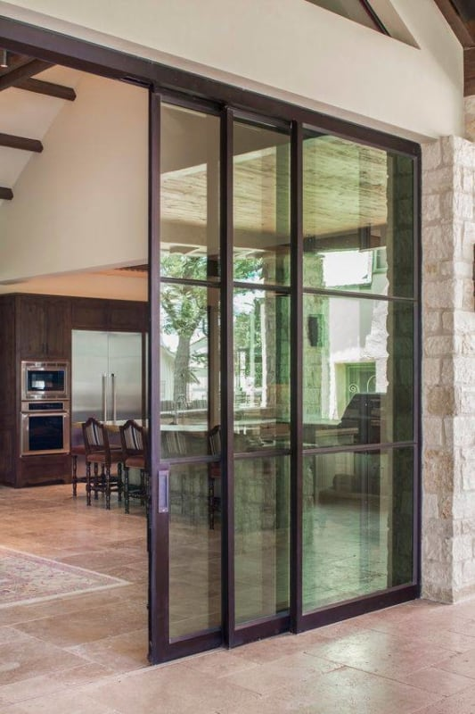 Porta de ferro de correr para cozinha moderna