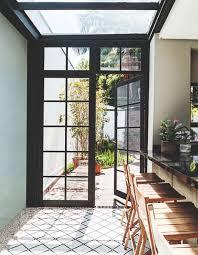 Porta de ferro e vidro com 2 folhas
