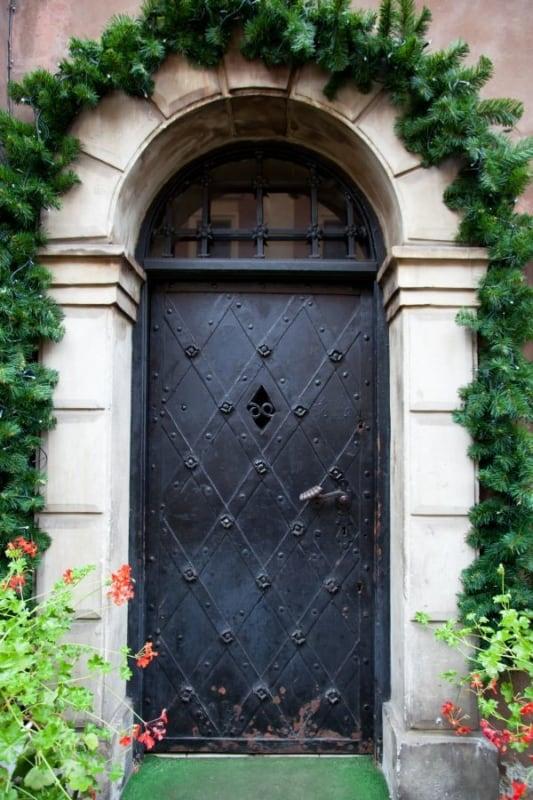 Porta de ferro medieval
