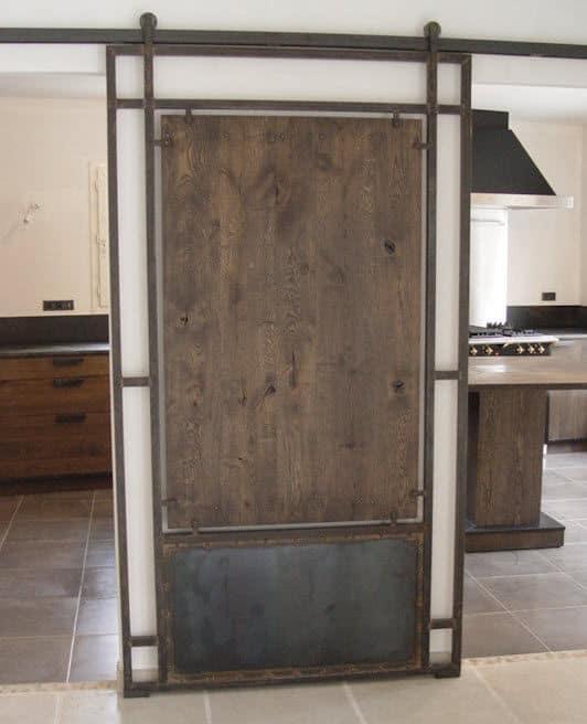 Porta de ferro para decoração industrial