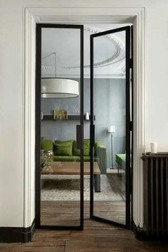 Porta minimalista de ferro para a sala