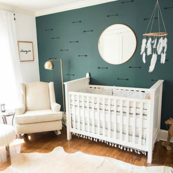Quarto de bebê verde escuro