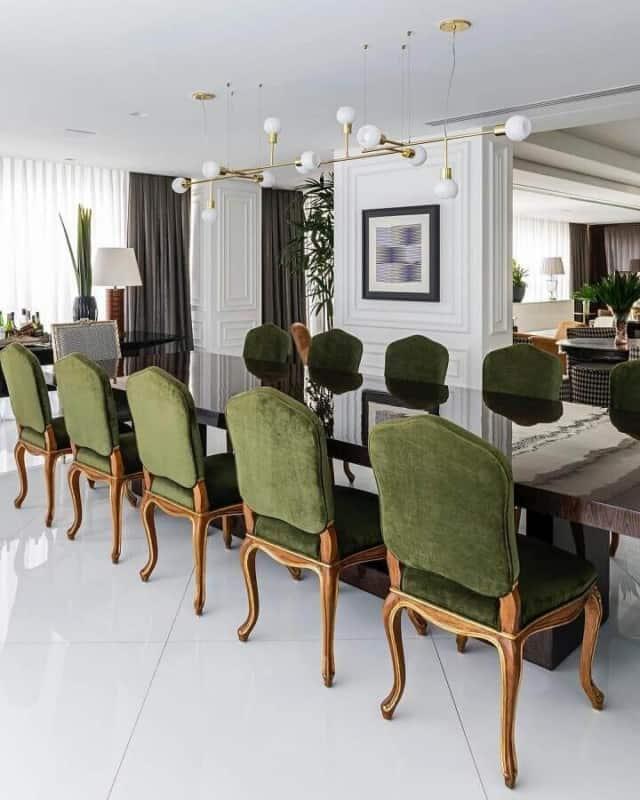 Sala de jantar verde musgo