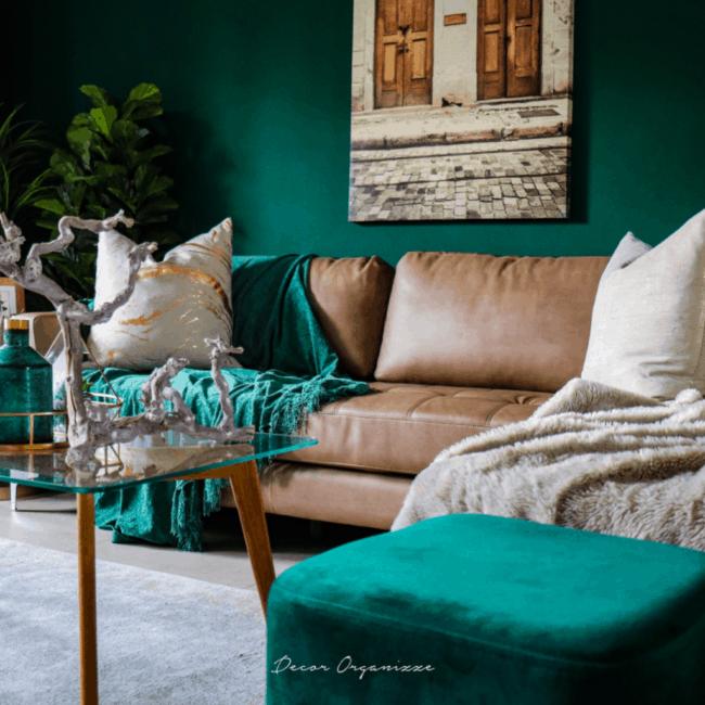Sala verde com marrom
