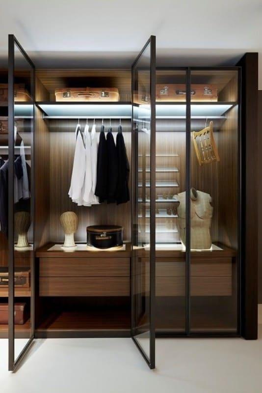 closet modulado com porta de vidro