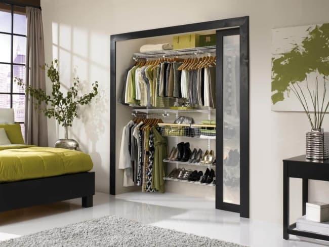 closet modulado com porta pequena
