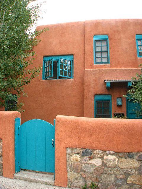 fachada em cor terracota