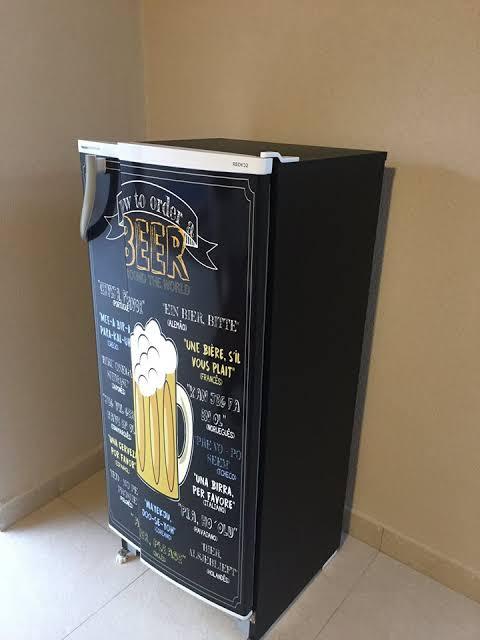 geladeira preta envelopada customizada