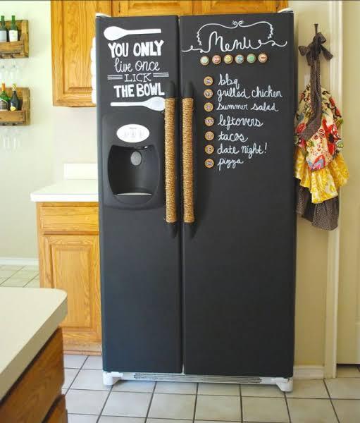 geladeira preta envelopada