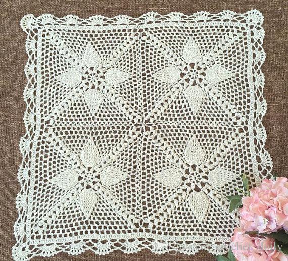 guardanapo de crochê com flores