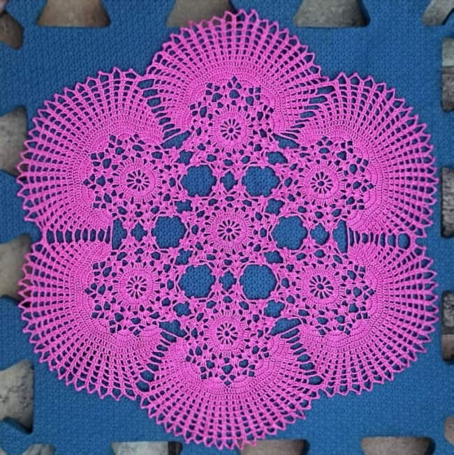 guardanapo pink de crochê