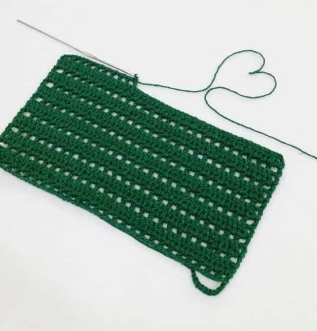 guardanapo retangular verde de crochê