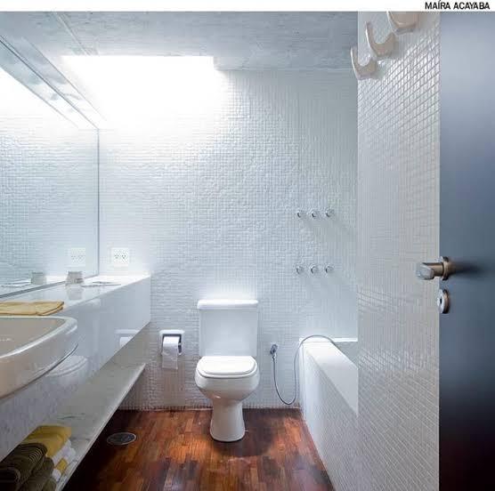 ideia de iluminação zenital em banheiro