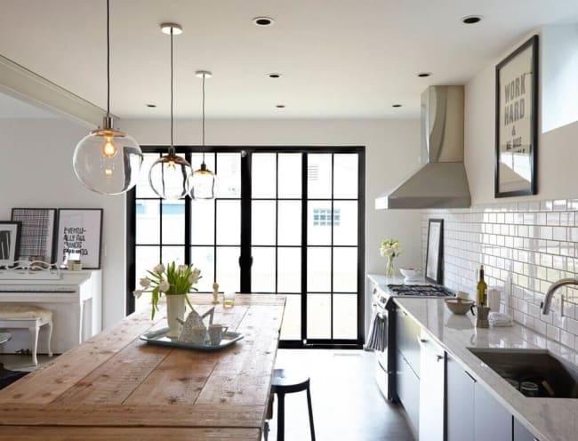 luminária de teto moderna em cozinha