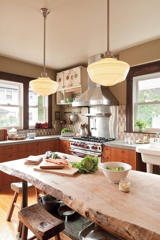 luminária de teto na cozinha rústica