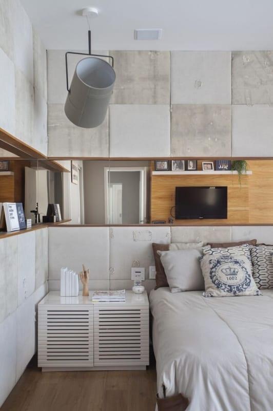 luminária de teto no quarto cinza