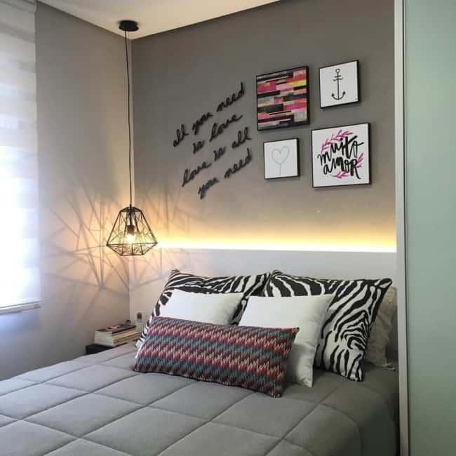 luminária de teto no quarto
