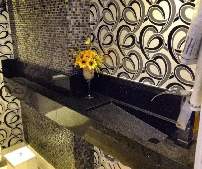 mármore preto para banheiro