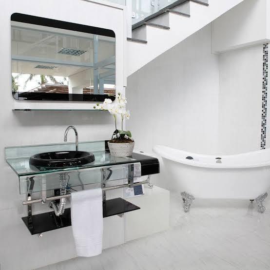 modelo de pia de banheiro de vidro