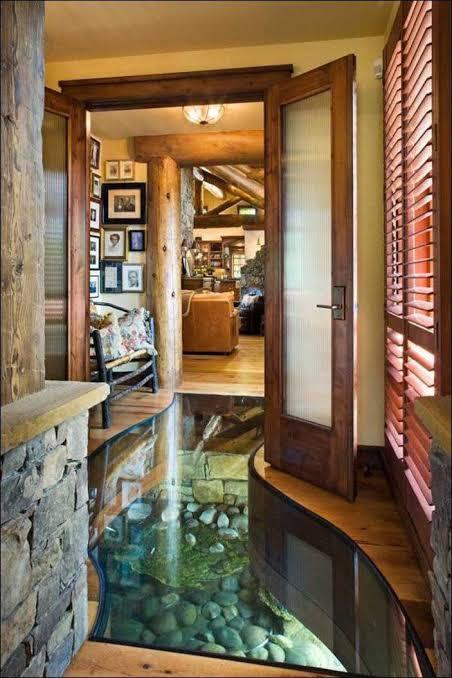 piso de vidro com água na decoração