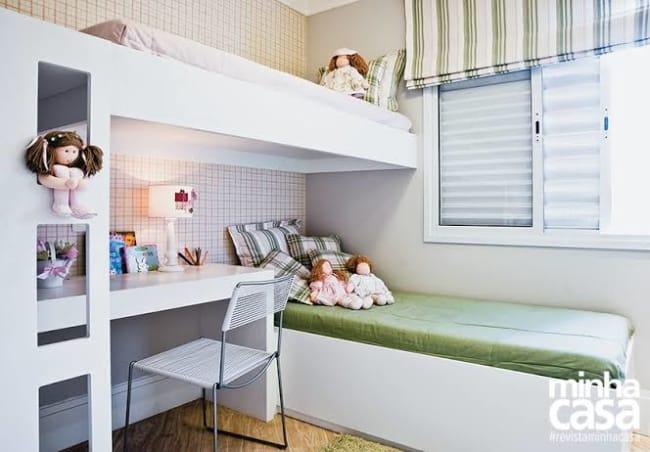 quarto infantil planejado com duas camas unissex
