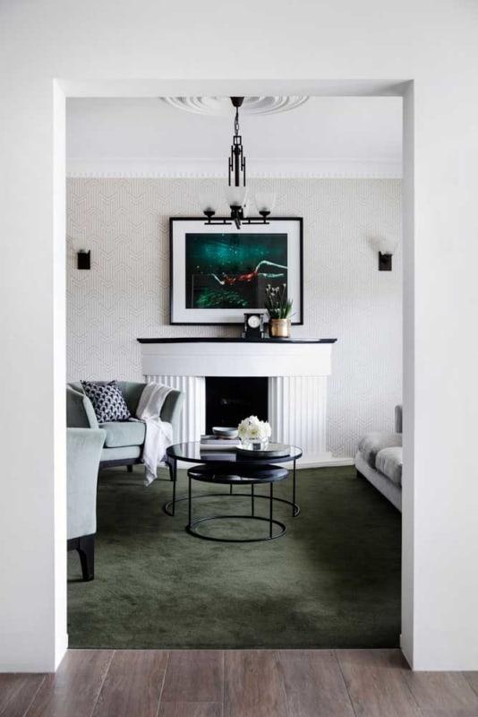 sala com tapete verde musgo